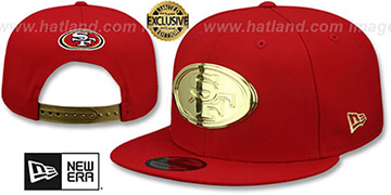49ers GOLD METAL-BADGE SNAPBACK Red Hat by New Era