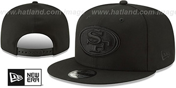 49ers TEAM-BASIC BLACKOUT SNAPBACK Hat by New Era