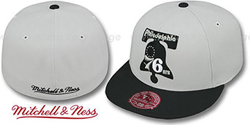 76ers MONOCHROME XL-LOGO Grey-Black Fitted Hat by Mitchell & Ness