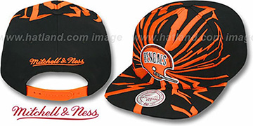 Bengals EARTHQUAKE SNAPBACK Black Hat by Mitchell & Ness