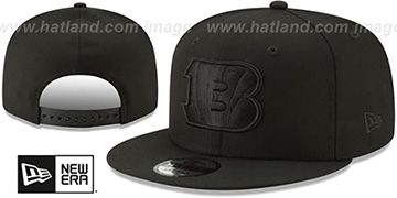 Bengals TEAM-BASIC BLACKOUT SNAPBACK Hat by New Era