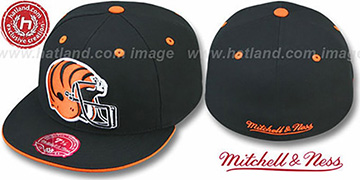 Bengals XL-HELMET Black Fitted Hat by Mitchell & Ness