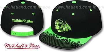 Blackhawks  'NEON-LAVA SNAPBACK' Black-Green Hat by Mitchell and Ness