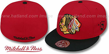Blackhawks '2T XL-LOGO' Red-Black Fitted Hat by Mitchell & Ness