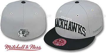 Blackhawks '2T XL-WORDMARK' Grey-Black Fitted Hat by Mitchell & Ness