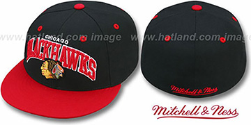 Blackhawks 'NHL 2T TEAM-ARCH' Black-Red Fitted Hat by Mitchell & Ness