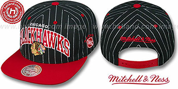 Blackhawks 'PINSTRIPE 2T TEAM ARCH SNAPBACK' Black-Red Hat by Mitchell & Ness