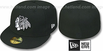 Blackhawks 'TEAM-BASIC' Black-White Fitted Hat by New Era