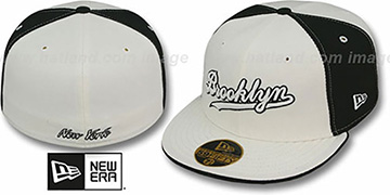 Brooklyn 'PINWHEEL-CITY' White-Black-White Fitted Hat by New Era