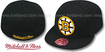 Bruins 'XL-LOGO BASIC' Black Fitted Hat by Mitchell & Ness