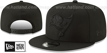 Buccaneers TEAM-BASIC BLACKOUT SNAPBACK Hat by New Era