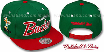 Bucks 2T TEAM-SCRIPT SNAPBACK Green-Red Hat by Mitchell & Ness