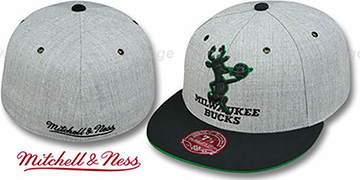 Bucks 2T XL-LOGO FADEOUT Grey-Black Fitted Hat by Mitchell & Ness