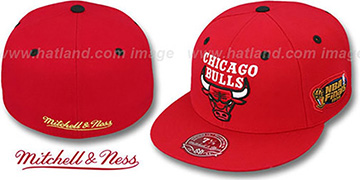 Bulls 1996 'COMMEMORATIVE CHAMPS' Hat by Mitchell & Ness