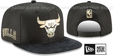 Bulls '2017 NBA ONCOURT SNAPBACK' Black-Gold Hat by New Era