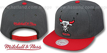 Bulls '2T-HEATHER SNAPBACK' Grey-Red Hat by Mitchell & Ness