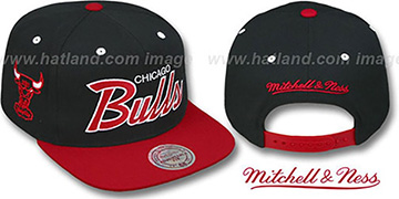 Bulls '2T TEAM-SCRIPT SNAPBACK' Black-Red Hat by Mitchell & Ness