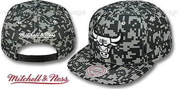 Bulls '3M DIGI-CAMO SNAPBACK' Black-Grey Hat by Mitchell & Ness