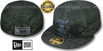 Bulls 'BLACKOUT SILK-DRAGONS' Fitted Hat by New Era