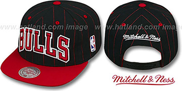 Bulls 1996 COMMEMORATIVE SNAPBACK Black-Red Hat by Mitchell and Ness