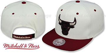 Bulls 'CREAMTOP STRAPBACK' Hat by Mitchell & Ness