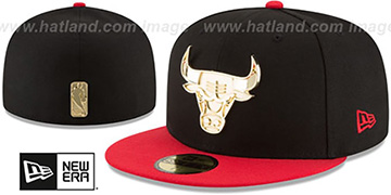 Bulls GOLDEN-BADGE Black-Red Fitted Hat by New Era