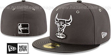 Bulls METAL HOOK Grey-Black Fitted Hat by New Era
