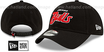Bulls RETRO-SCRIPT SNAPBACK Black Hat by New Era