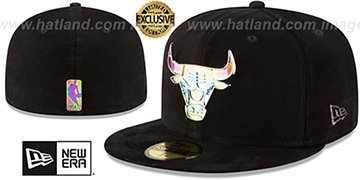 Bulls SUEDED IRIDESCENT METAL-BADGE Black Fitted Hat by New Era