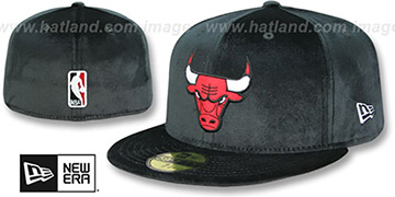 Bulls TEAM-BASIC VELOUR Black Fitted Hat by New Era