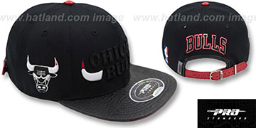 Bulls XL-HORNS STRAPBACK Black Hat by Pro Standard