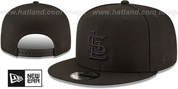 Cardinals TEAM-BASIC BLACKOUT SNAPBACK Hat by New Era