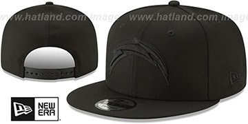Chargers TEAM-BASIC BLACKOUT SNAPBACK Hat by New Era