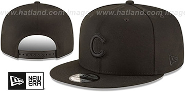 Cubs TEAM-BASIC BLACKOUT SNAPBACK Hat by New Era