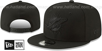 Dolphins TEAM-BASIC BLACKOUT SNAPBACK Hat by New Era