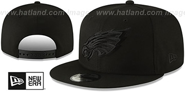 Eagles TEAM-BASIC BLACKOUT SNAPBACK Hat by New Era
