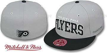 Flyers 2T XL-WORDMARK Grey-Black Fitted Hat by Mitchell & Ness