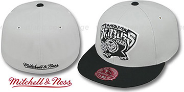 Grizzlies 'MONOCHROME XL-LOGO' Grey-Black Fitted Hat by Mitchell & Ness