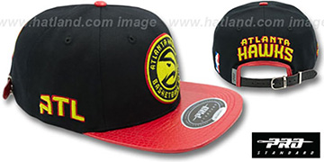 Hawks 'TEAM-CIRCLE STRAPBACK' Black-Red Hat by Pro Standard