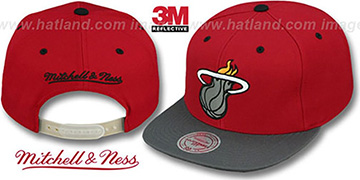 Heat '3M XL-LOGO SNAPBACK' Red-Grey Hat by Mitchell and Ness