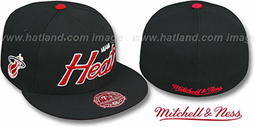 Heat CLASSIC-SCRIPT Black Fitted Hat by Mitchell & Ness