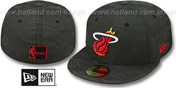 Heat DIGIFLECT Black Fitted Hat by New Era