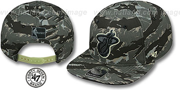 Heat 'NIGHT-VISION SNAPBACK' Adjustable Hat by Twins 47 Brand