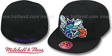 Hornets XL-LOGO BASIC Black Fitted Hat by Mitchell & Ness
