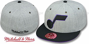 Jazz 2T XL-LOGO FADEOUT Grey-Black Fitted Hat by Mitchell and Ness