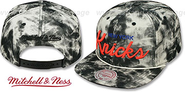 Knicks 'ACID-WASH SNAPBACK' Black Hat by Mitchell and Ness