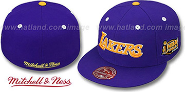Lakers 2000 'COMMEMORATIVE CHAMPS' Hat by Mitchell & Ness