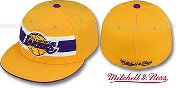 Lakers HARDWOOD TIMEOUT Gold Fitted Hat by Mitchell & Ness