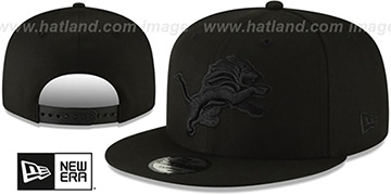 Lions TEAM-BASIC BLACKOUT SNAPBACK Hat by New Era