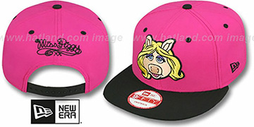 Miss Piggy 'MUPPETS' Pink-Black Snapback Hat by New Era